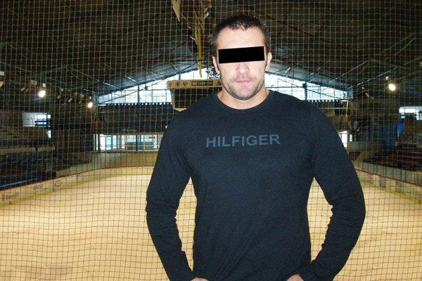 Podnikateľ kedysi pôsobil v hokejovom klube.