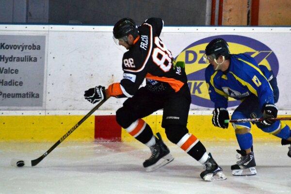 Po vyše troch rokoch sa hralo prestížne derby. V Michalovciach vpríprave nastúpil Trebišov, ktorý domácim mladíkom podľahol 2:4.
