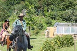 Z otvorenia ekocentra. V ponuke programu bola aj jazda na koni.