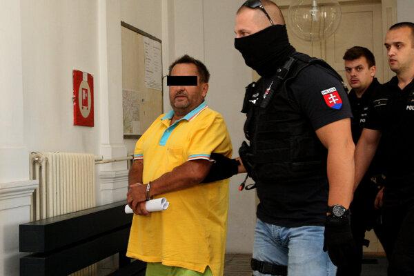 Obvinený Miroslav Ž., údajný objednávateľ vraždy, na súde.