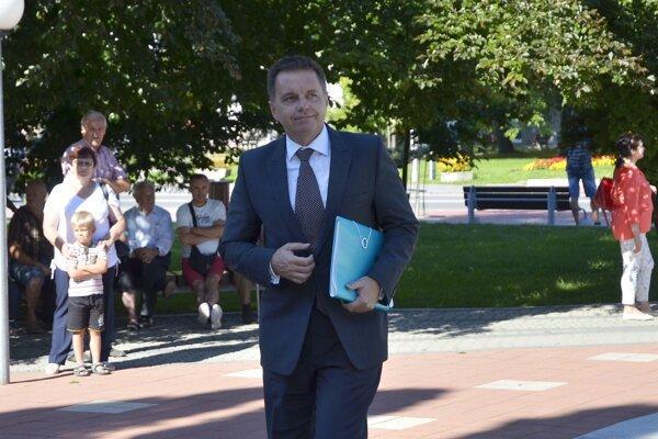 Minister financií Peter Kažimír