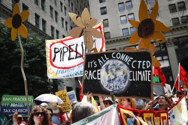 Aktivisti požadujú aby ich vlády riešili klimatické zmeny.