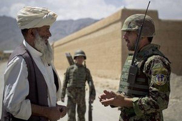 Mnohí dedinčania sa snažili zbaviť milicionárov z ALP vzhľadom na predošlé terorizovanie.