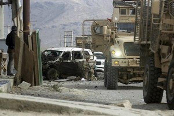 K zodpovednosti za atentát na Šamšáda sa prihlásilo hnutie Taliban.