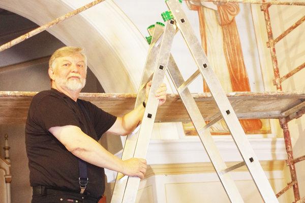 Jozef Porubčin maľoval dielo ešte ako študent. Po rokoch sa vrátil, aby ho zreštauroval.