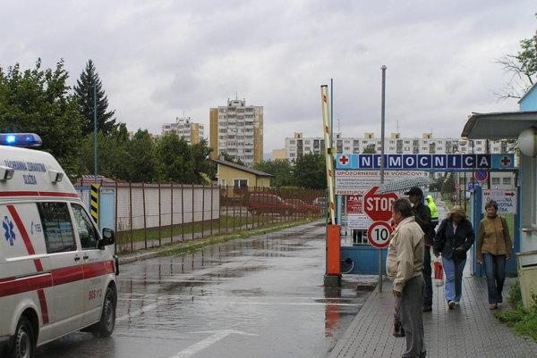 Nemocnicu v Topoľčanoch preberá od župy Svet zdravia.