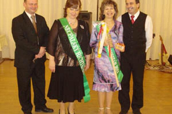Eva Humajová (vpravo) je usmiata sestrička z bojnickej pôrodnice a teraz aj richtárka Necpál.