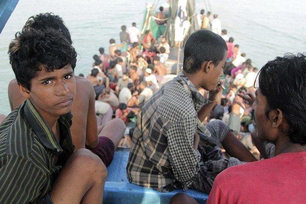 Na mori strávili niekoľko týždňov až mesiacov s minimálnymi zásobami pitnej vody a potravín.