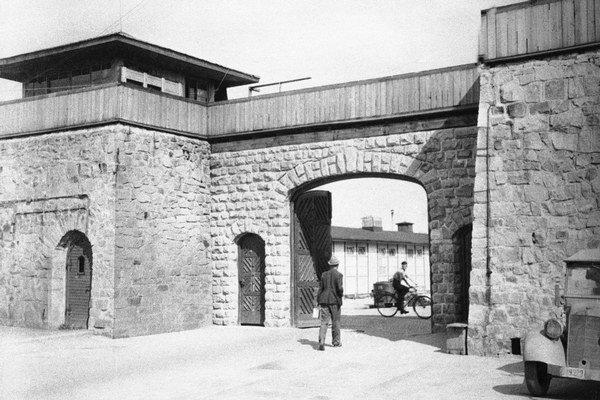 Hlavný vchod koncentračného táboru v Mauthausene