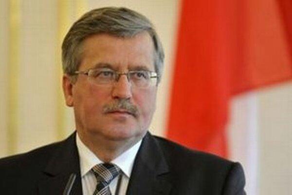 """Komorowski povedal, že Poľsko, ktoré čelí ukrajinsko-ruskému konfliktu, potrebuje """"pokojný dialóg a pokojnú snahu pri riešení zložitých záležitostí."""