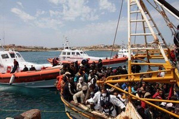 Taliansko čelí silnému prílevu migrantov.