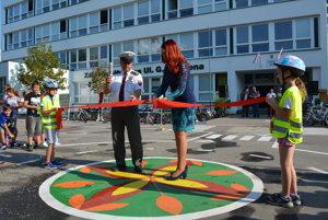 Na škole slávnostne otvorili dopravné ihrisko