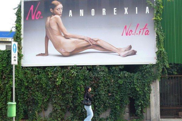 Zákon kriminalizuje zamestnávanie abnormálne chudých modeliek a zakazuje internetové stránky podporujúce rozvoj anorexie.