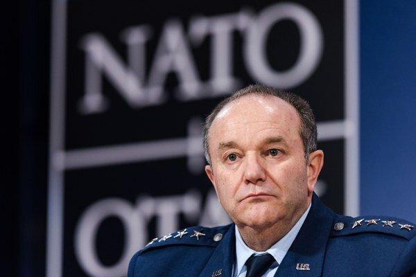 Hlavný veliteľ síl NATO v Európe generál Philip Breedlove.