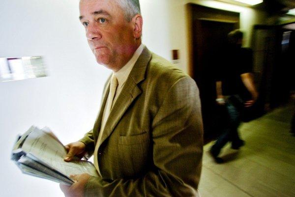 Bývalý šéf SNS mal problémy so zákonom viackrát.