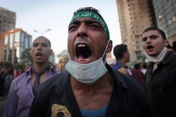 Súd zakázal všetky aktivity islamistov a nariadil konfiškáciu ich peňazí už v roku 2013.