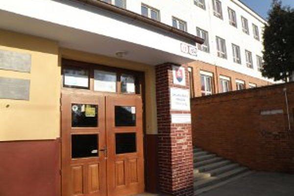 Osud ZŠ na Mariánskej ulici v Prievidzi je stále neistý.