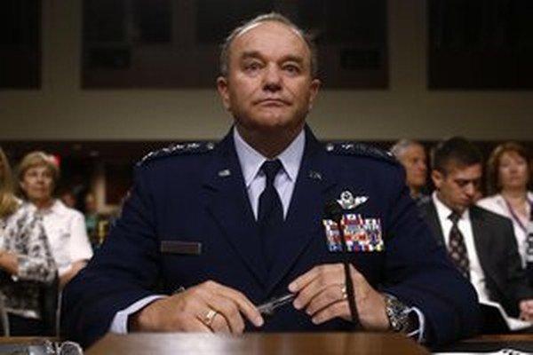 Veliteľom síl NATO v Európe je americký generál Philip Breedlove.