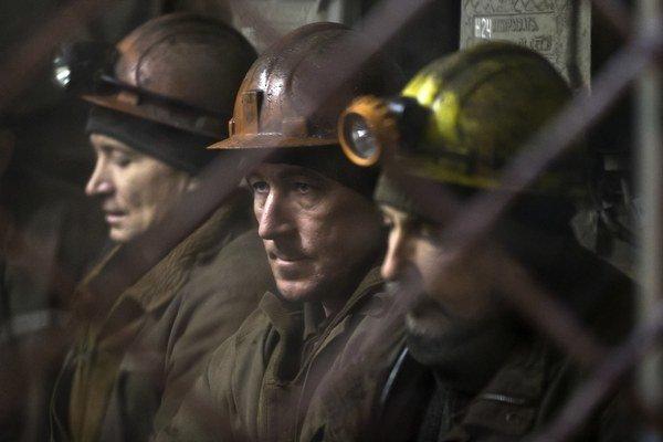 Pracovníci bane, kde došlo k výbuchu.