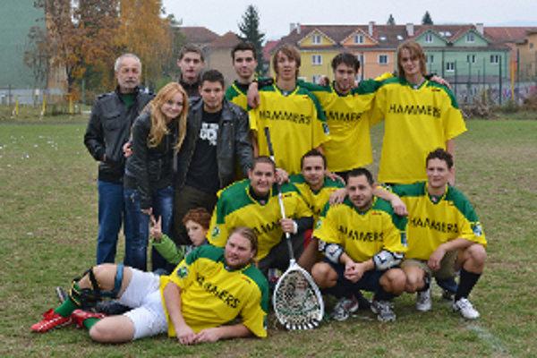 Lakrosový tím LC Prievidza Hammers získal strieborné medaily.