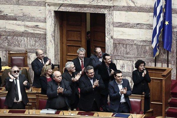 Tsiprasova vláda získala dôveru parlamentu.