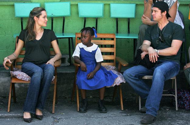 Na Haiti so žiačkou miestnej školy Naomi v roku 2006