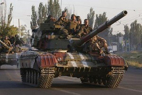 Na Ukrajine pokračujú prudké boje.