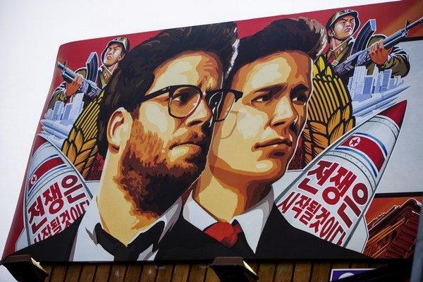 Film The Interview pôvodne stiahli po kyberútoku a hrozbách. Podľa Washingtonu za nimi stojí Severná Kórea.