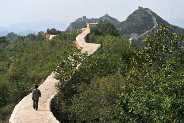 """Veľký čínsky múr po """"rekonštrukcii""""."""