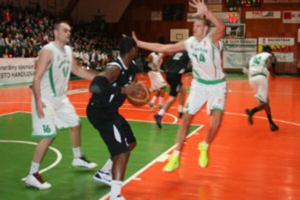 Napriek snahe basketbalistov Prievidze domáci káder zvrat nepripustil.
