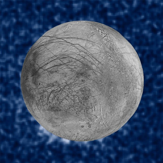 Možné gejzíry vidno pri povrchu Europy v ľavej dolnej časti.