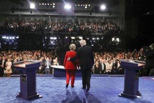 Trump a Clintonová sa stretli v prvej debate. Začali ekonomikou a prácou