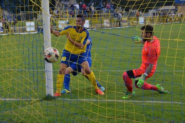 Obrat. Filip Kovács dáva gól na 2:1.