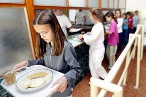 Deti jedia to, čo poznajú z domova.