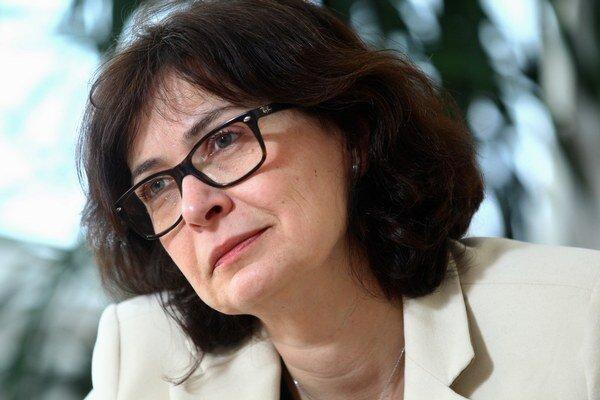 Žitňanská považuje za paradoxné, že práve zákon o tvorbe zákonov prijíma parlament v situácii, keď nie je zladený so zákonom o rokovacom poriadku NR SR.