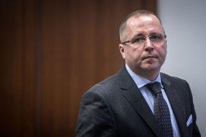 Martin Novotný pred začiatkom hlavného pojednávania v kauze Osrblie na Špeciálnom súde v Pezinku v roku 2014.