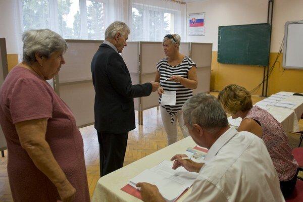 Volebná miestnosť v Gabčíkove.