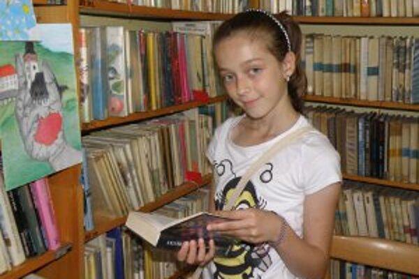 Janka Kružlicová má návštevy v knižnici veľmi rada.