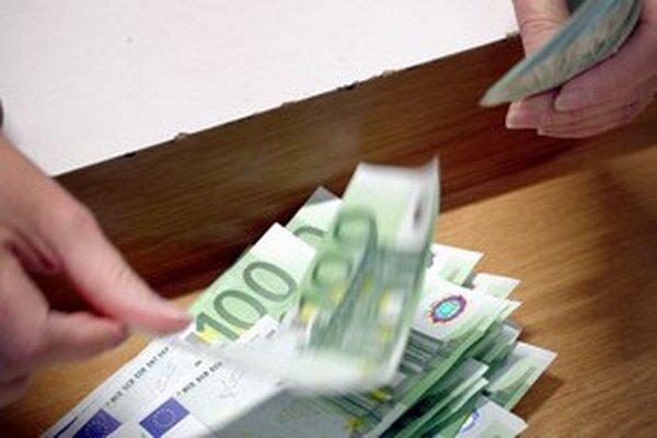 Drvivá väčšina občanov vyjadruje svoju nespokojnosť s mierou korupcie v našej krajine.
