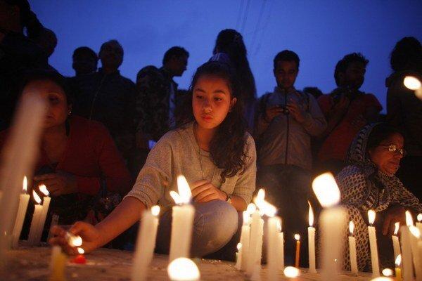 V Nepále bol 13 dní po zemetrasení deň modlitieb.