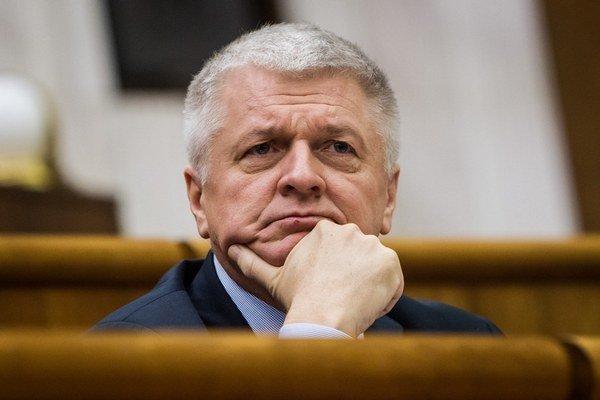 Minister Pavol Pavlis má na upratovanie svojich ľudí.