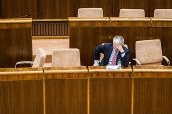 Pavol Pavlis má isté miesto v Národnej rade.