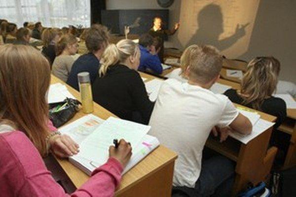 V júni minulého roka prišlo na úrady práce 2 050 učiteľov.
