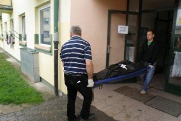 Náhla a spoločná smrť dôchodcov šokovala obyvateľov na Ciglianskej ceste.