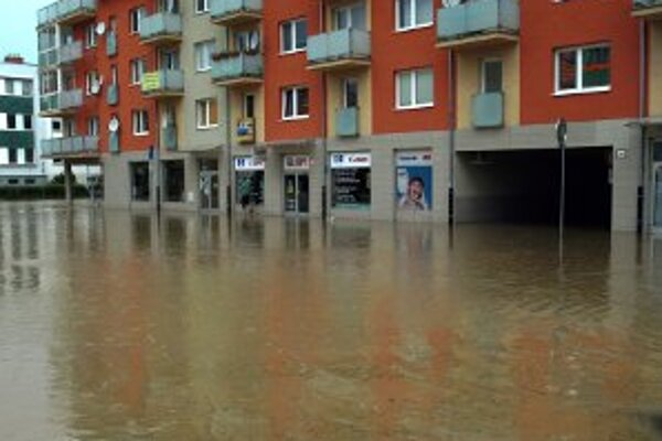 Pri vlaňajších záplavách boli pod vodou aj viaceré firmy.