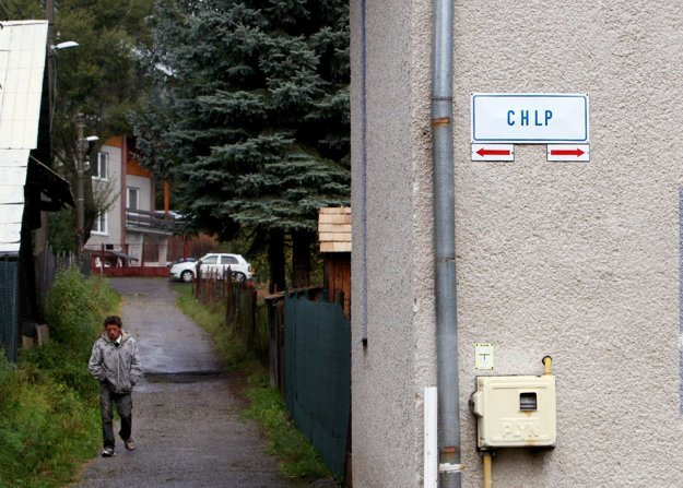 Zauzlenie, či zachlpenie uličiek. Taký je pôvod historického názvu ulice.