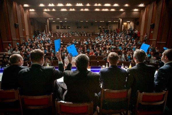 Všetci delegáti ani zďaleka neprišli.