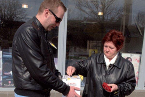Dobrovoľníci zbierali peniaze aj v Prievidzi.