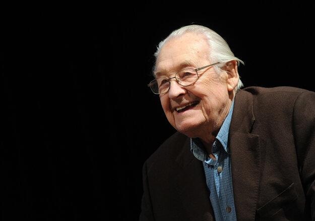 Andrzej Wajda zomrel vo veku 90 rokov.
