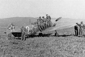 Stíhačky zo ZSSR pristála 15. septembra 1944 na letisku Tri Duby.